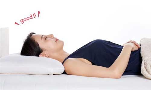 良い眠りのために、首に負担のかからない正しい寝姿勢は必須!